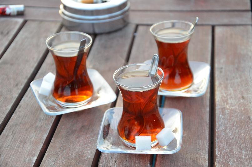 typické skleničky na čaj (cay)