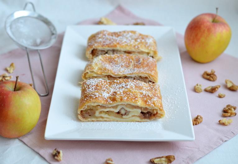 Pro ty z vás, kdo třeba začínáte péct, nebo jen hledáte jednoduchý způsob, jak připravit jablečný štrůdl z listového těsta.