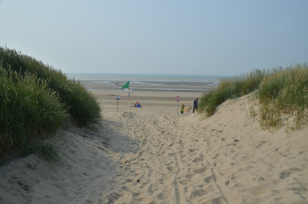 If you spend the summer in Belgium, you might wonder how the Belgian coast looks like. Here are 4 main seaside destinations in Belgium and what to do there.