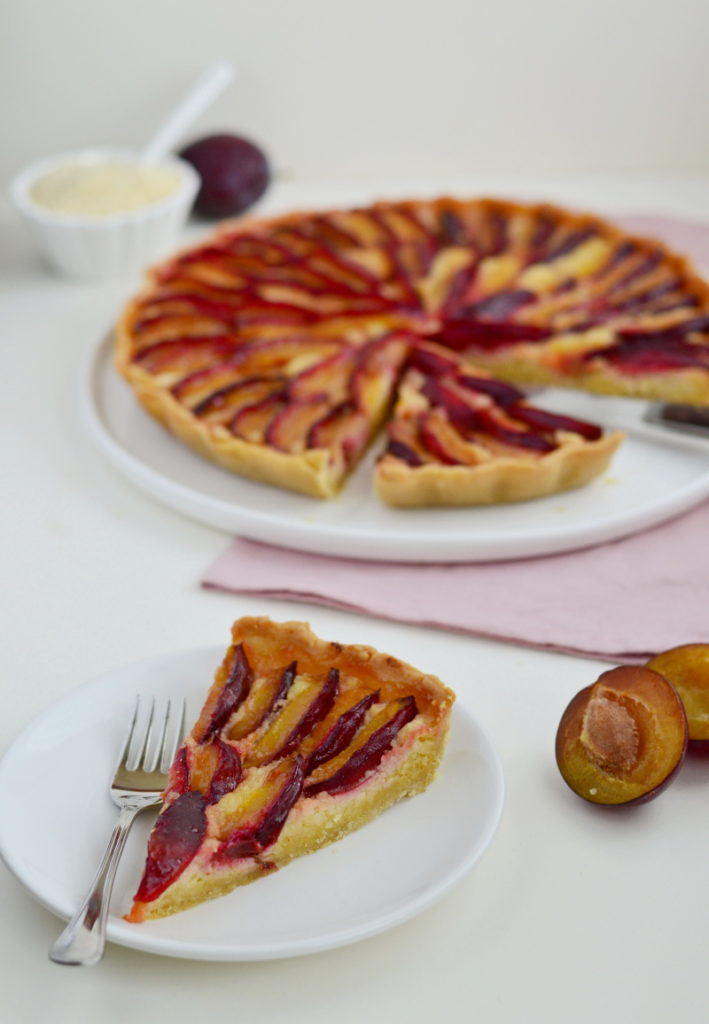 Plum Tart with Almond Filling is a yummy tart with frangipane alias mixture of ground almonds, butter and sugar, covered with slices of plums.