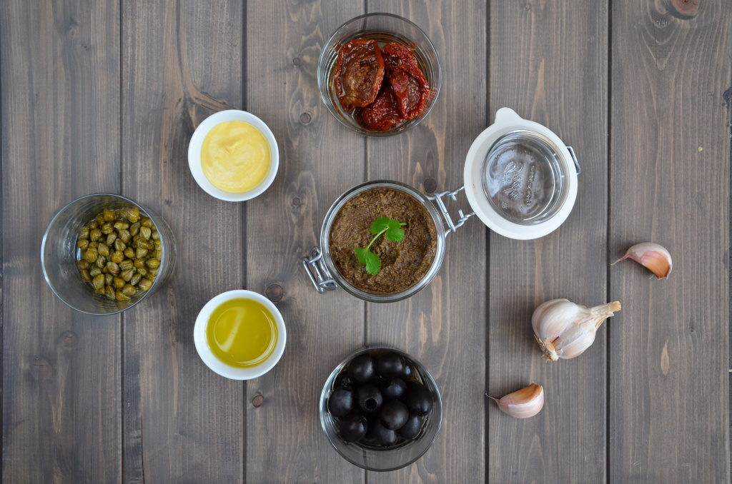 Vegetarian_Black_Olive_Tapenade_2