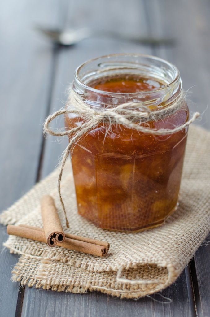 tasty Peach Jam with Cinnamon and Rum, another flavored jam made from summer fruit. The combination of Peach and cinnamon accompanied by rum is amazing!
