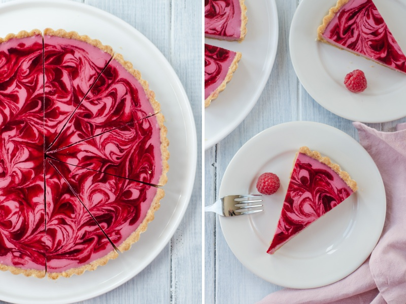 You will love it! This almost no-bake Raspberry Marble Cheesecake Tart it a love not only at first sight, but also at first bite! An ideal summer cheesecake