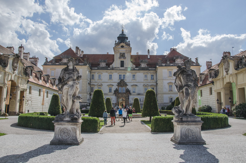 Two beautiful castles and a vast natural park of 283 km² which is supposed to be one of the largest castle parks in Europe, create a fairytale place.