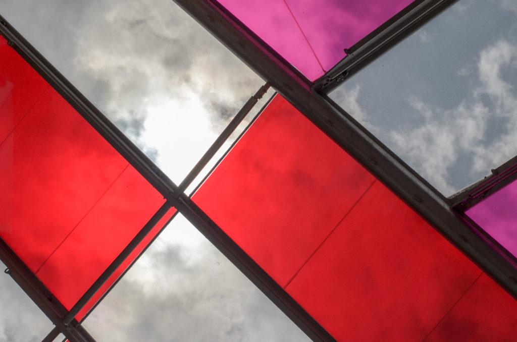 Foundation Louis Vuitton neboli Nadace Louise Vuittona, nacházející se v Buloňském lesíku v Paříži je mistrovským dílem moderní architektury.
