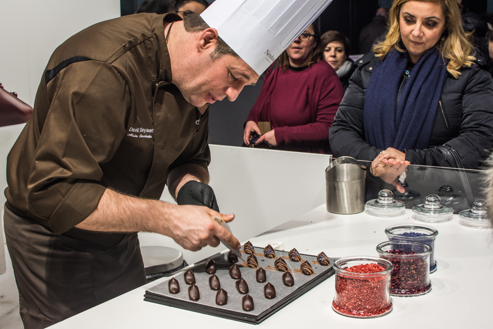 Just imagine a surface of 8,000m2devoted to chocolate and cacao - sounds like a dream, right? And so it was the 5th Edition of the Brussels Chocolate Fair took place from 2nd-4th March 2018 and welcomed over 130 chocolatiers, pastry chefs, cocoa experts, and designers. Let's have a little taste of the event here!