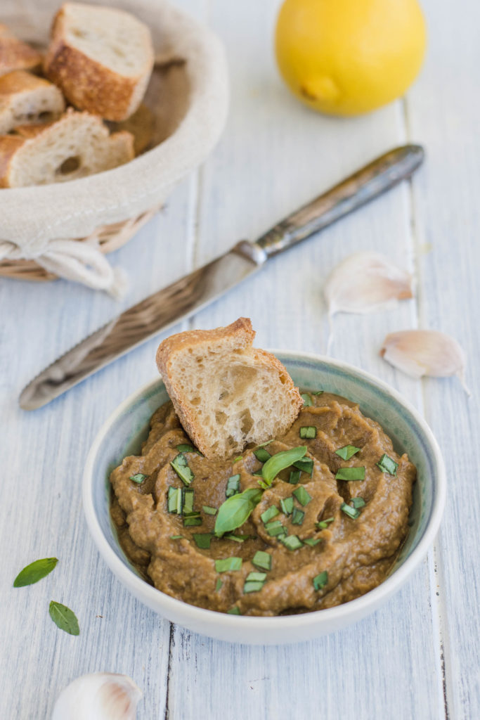 Healthy and easy to make eggplant caviar that has success as an aperitif on every party or gathering.