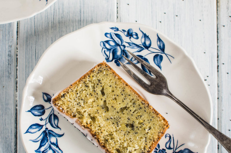 The sweet and sour taste of this legendary Lemon Poppy Seed Loaf Cake is just irreplaceable and I still haven't met anyone who wouldn't like it!